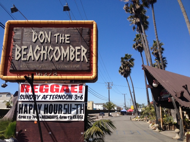 outside-don-the-beachcomber